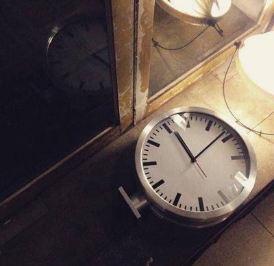 美學空間 ART STUDIO~日本進口双面國鐵鐘.車站鐘.現代造型雙面鐘.3年保固/永久保修