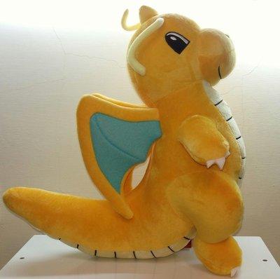 ///可愛娃娃///~中型12吋正版神奇寶貝~寶可夢~可愛的快龍坐姿絨毛娃娃~站姿款---約35公分