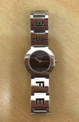 天使熊小鋪~法國FENDI時尚不鏽鋼錶 9.99成新 有盒裝 logo女錶 原價23500