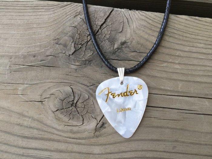 Fender手工PICK吉他彈片 皮革項鍊