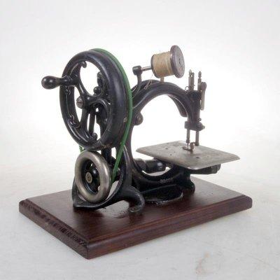 百寶軒 清代古董1862年威爾考克斯吉布斯/Willcox-Gibbs手搖縫紉機 ZG3535