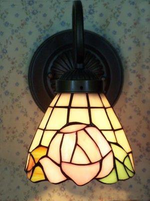 凱西美屋 手工製彩繪鑲嵌玻璃藝術燈壁燈(玫瑰款)~帝凡尼彩繪壁燈~鄉村壁燈