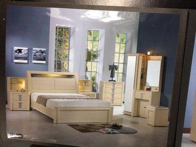 RX-09 床組/化妝台/床頭櫃/斗櫃/不含床墊/大台北地區/系統家具/沙發/床墊/茶几/高低櫃/1元起