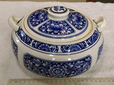 火鍋(3)~~陶瓷汽鍋~~金門紀念~~金門宏玻陶瓷~~含蓋~~肚徑約21.3CM~~懷舊.擺飾