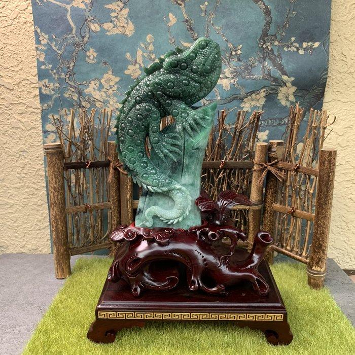 [滿藝精選] 頂級收藏品標❤️A貨緬甸玉 蜥蜴翡翠擺件 花青帶辣綠 質地種水好 雕工精細