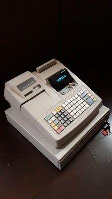 超級棒的(二手機)二聯式發票收銀機/收據機可設定中文品名贈送結帳用紙附操作手冊與保固$8000元直購