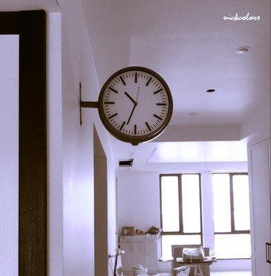 尼克卡樂斯~簡約時尚雙面靜音壁掛鐘小款 圓形靜音時鐘 酒吧掛鐘 餐廳掛鐘 咖啡廳時鐘 客廳臥室掛鐘 北歐風掛鐘 復古掛鐘