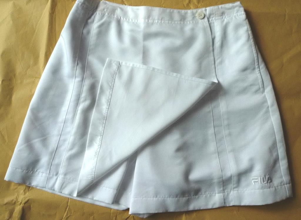 Fila網球褲裙,白、深藍雙色