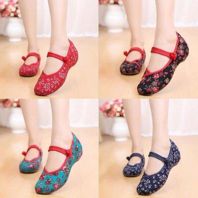 新款春夏老北京布鞋女坡跟小碎花民族風繡印花鞋舞蹈媽媽單鞋