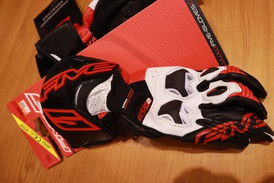 德芯騎士部品屋 法國FIVE  RACING系列手套 RFX2 AIRFLOW 黑紅色 防護手套 公司貨