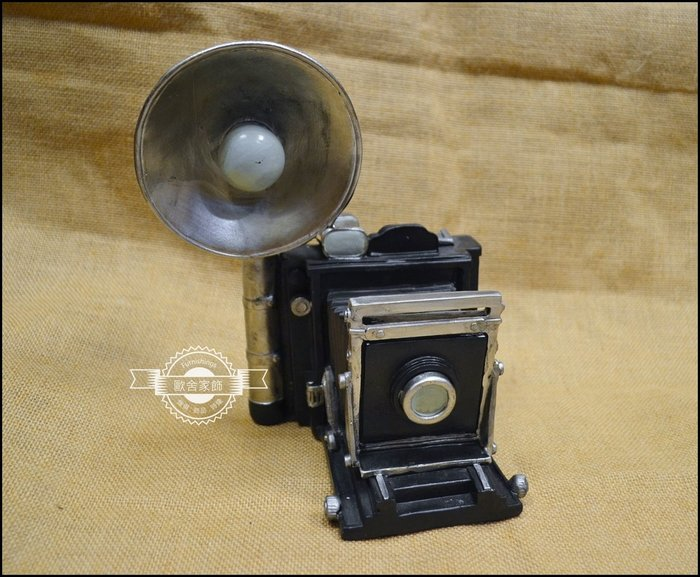 立體波麗製 閃光燈照相機模型撲滿 復古懷舊風黑色數位單眼相機存錢筒櫥櫃書櫃裝飾擺飾品拍照道具送禮品【歐舍家飾】