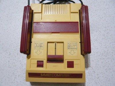 【~嘟嘟電玩屋~】原裝任天堂紅白機 ( 已改AV端子 .不破壞外殼, 操作正常 ) ----(7號)