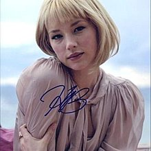 HALEY BENNETT 珍藏簽名照 8x10 (music & lyrics K歌情人HUGH GRANT / way back into love)