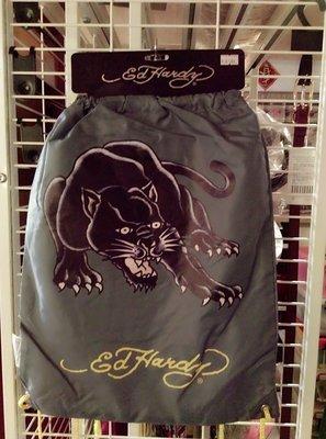 【阿波的窩 Apos house】《ED Hardy 週邊商品》印刷 黑豹 多功能束口背袋(墨綠色)