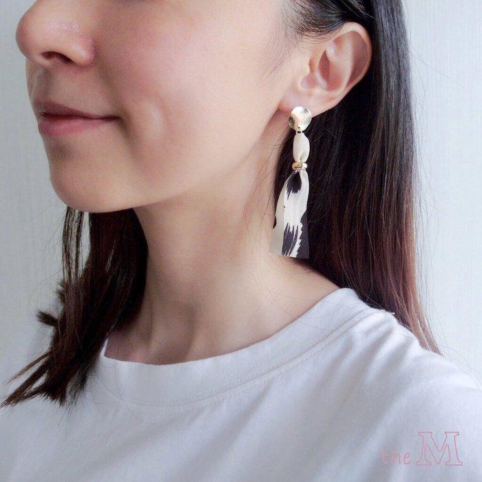 The M 正韓 豹紋 系列-緞帶 豹紋 耳環-925純銀 耳針