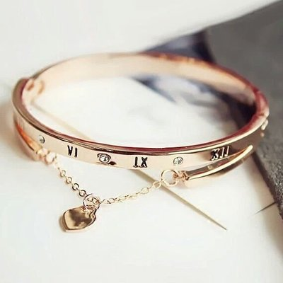 Europe and the United States exaggerated bracelet Roman
