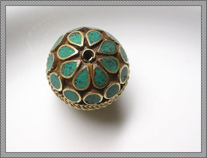 【雅之賞|藏傳|佛教文物】*特賣* 尼泊爾精美純手工鑲嵌綠松石圓珠~Q1511