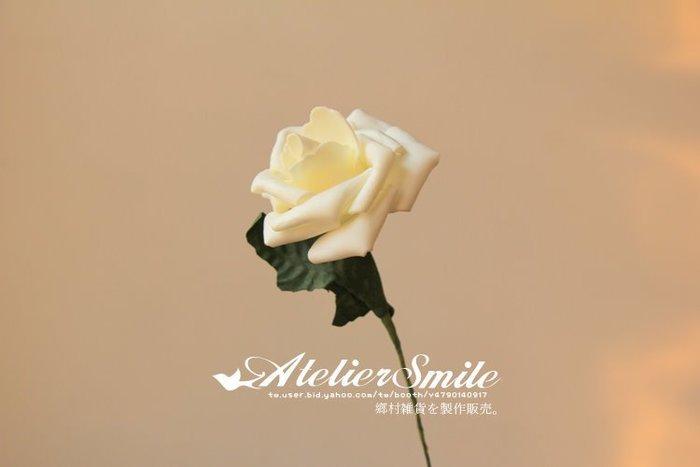 [ Atelier Smile ] 鄉村雜貨 小花園系列 仿真田園白玫瑰 裝飾果樹 長25公分 仿真植物 (現+預)
