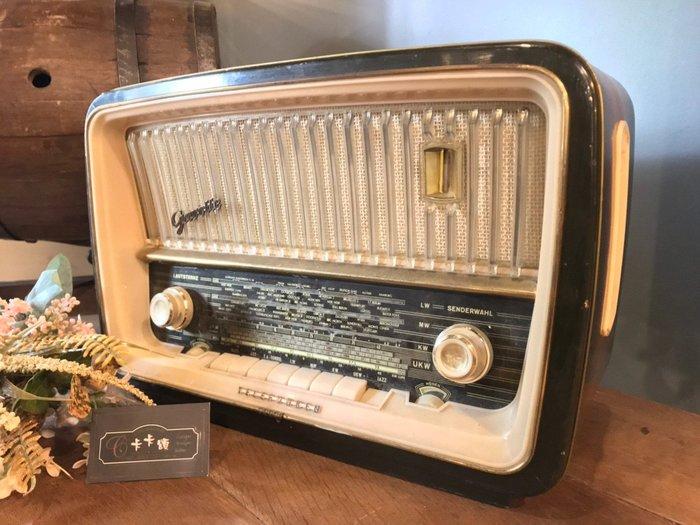 【卡卡頌 歐洲跳蚤市場/歐洲古董】※活動特價※德國老件_德律風根 Telefunken 真空管 電木收音機ss0479✬