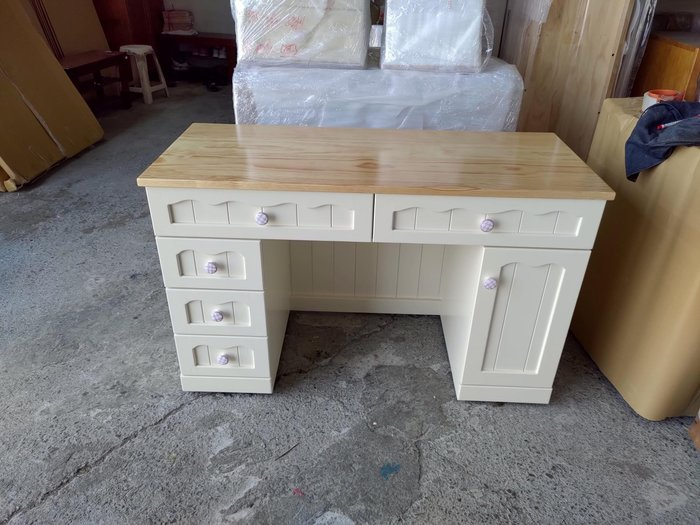 戀戀小木屋。甜美款書桌 客製書桌  可訂做書桌