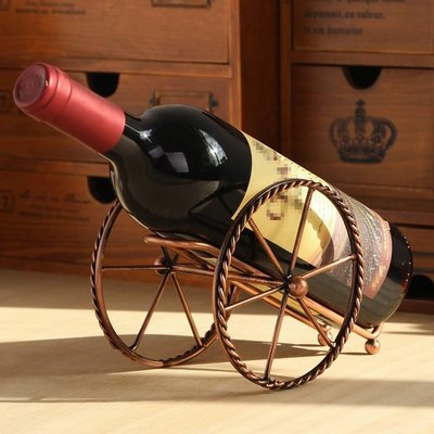 zakka雜貨 LOFT復古簡約風歐美炮台砲車造型紅酒置放架 田園風古銅色鐵製葡萄酒放置收納架 個性小物裝飾店面展示酒架