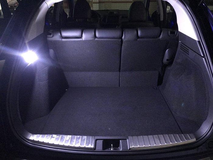 ◇光速LED精品◇HONDA HRV 後行李箱燈 COB 面發光 室內燈 側燈 10~30v 無極 白光