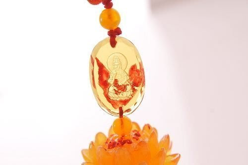 林老師開運坊 ~黃蜜蠟觀音蓮花吊飾 4公分~保平安 淨化