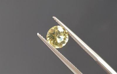 揚邵一品1.62克拉 錫蘭金綠玉寶石 高品質 淨度好 閃亮亮綠黃色~斯里蘭卡產  色澤濃郁火光閃耀動人