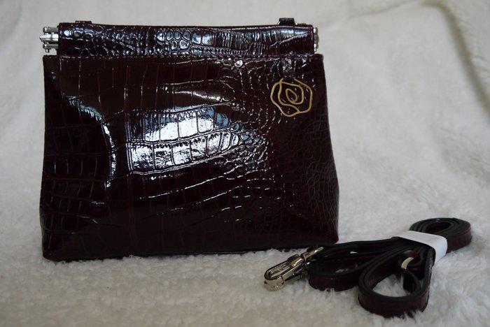 珊蒂藏寶箱~酒紅色鱷魚紋側背包