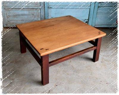 ^_^ 多 桑 台 灣 老 物 私 藏 ----- 微八字腳的台灣老檜木方型矮桌.泡茶桌