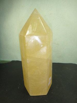 【競標網】天然3A黃冰洲水晶柱(K45)1490克(網路特價品、原價1500元)限量一件