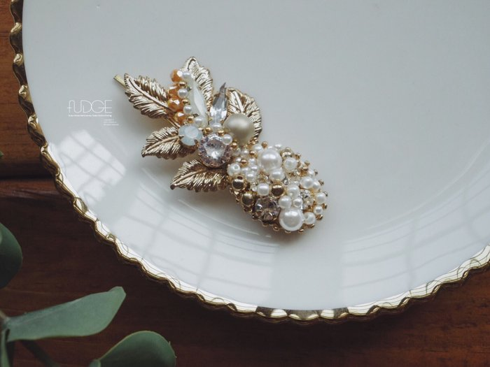FUDGE法橘 / 正韓 典雅金色葉片鑽飾珍珠髮夾/LH18818