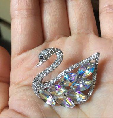 水晶天鵝胸針