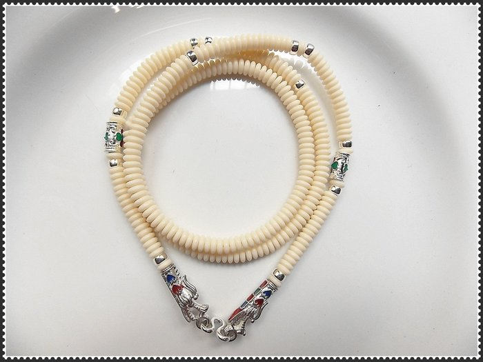 【雅之賞 藏傳 佛教文物】*特賣*泰國進口 鎏金琺琅鍍銀椰殼佛牌鏈 白色龍頭扣~080204