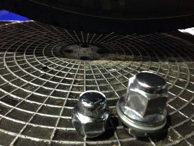 高階 鋁圈 螺絲 共20顆   (MAZDA3  豐田.本田.三菱 )