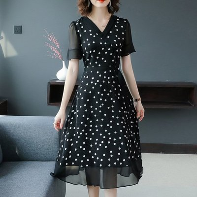 洋裝 新款夏季大碼胖遮肚子顯瘦波點減齡洋氣女裝連身裙 〖新生活〗