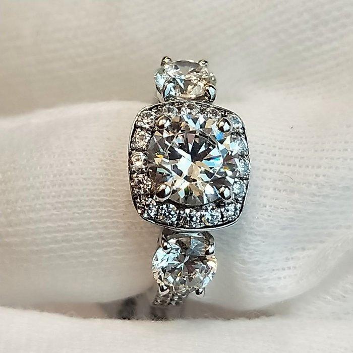 結婚求婚戒指女鑽石 1.25克拉犒賞 精工微鑲極光仿真鑽戒指精工爪鑲單碳原子鑽戒純銀鍍鉑金指環  FOREVER鑽寶