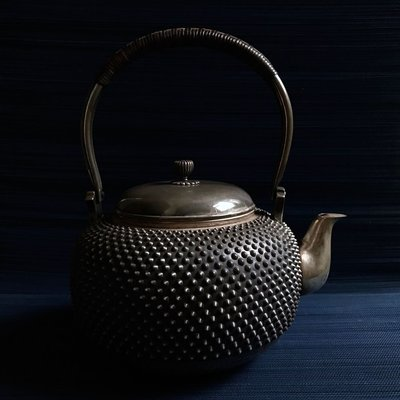 日本-霰紋老銀壺