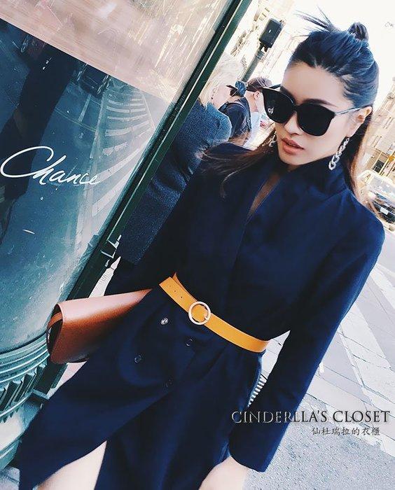 《仙杜瑞拉的衣櫃》c0372 深藍色薄款 緞面翻領 長版八分袖 軍裝風格西裝外套 附腰帶