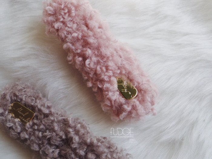 FUDGE法橘 / 正韓 粉嫩可愛捲毛手工髮夾[壓夾]/LH181234