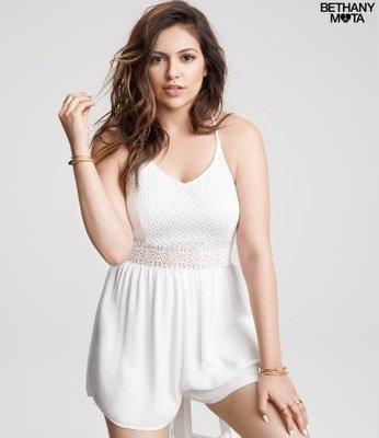 美國aeropostale女裝Lace top romper XS號奶油色蕾絲設計今夏必備連身短褲含運在台現貨