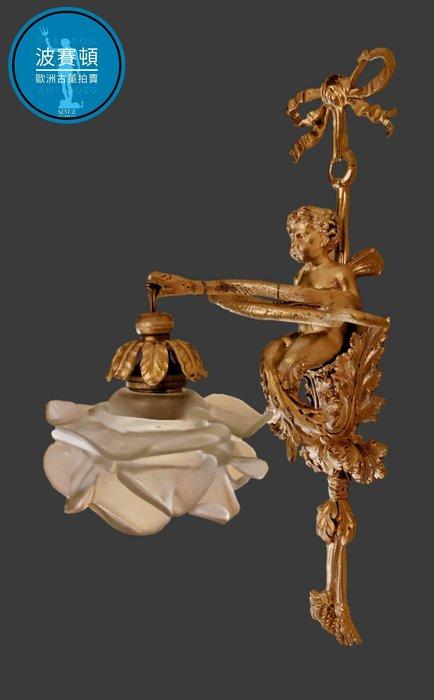 【波賽頓-歐洲古董拍賣】歐洲/西洋古董 法國古董 拿破崙三世風格 法國青銅天使壁燈/燭台一燈 (尺寸:高36×寬15×深18公分)(年份:約1900年)
