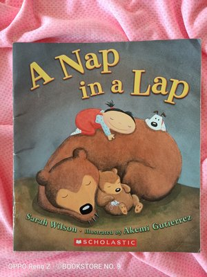 *NO.9 九號書店* A Nap in a Lap 英文繪本童書 SCHOLASTIC