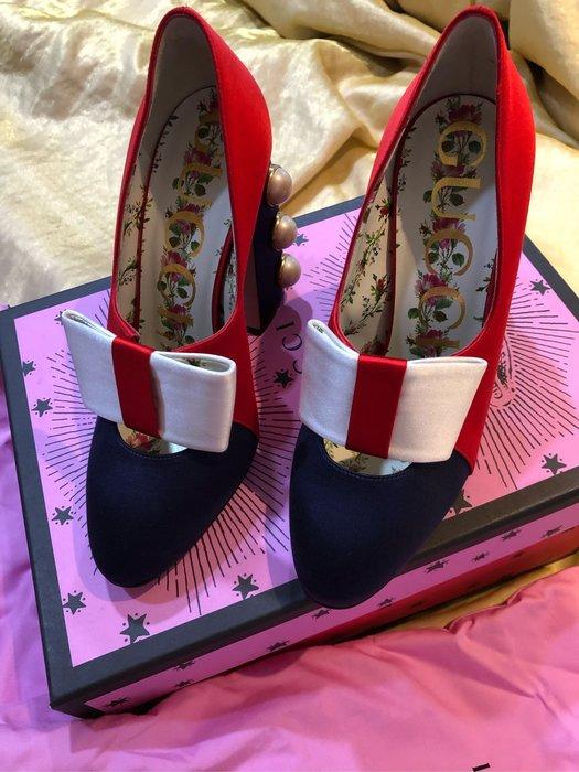 Gucci 緞面🎀珍珠高跟鞋