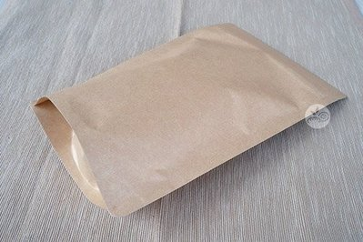 夾鏈立袋_牛皮(半斤)_10入/包_108010◎夾鏈袋.立袋.不透明.牛皮.素面.餅乾.果乾.糖果.包裝