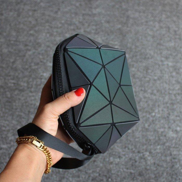 新款夜光幾何菱格包化妝包韓國幾何立體零錢包手拿包收納包