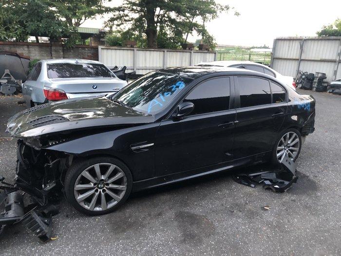 BMW E90 320全車零件拆賣