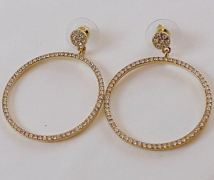 全新美國帶回 CAROLEE 奢華民族風大環金色穿式耳環,附原廠防塵袋與禮盒,只有一件!低價起標無底價!免運費!
