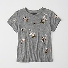 Maple麋鹿小舖 Abercrombie&Fitch * AF 灰色電繡花花圖樣短T * ( 現貨M號 )