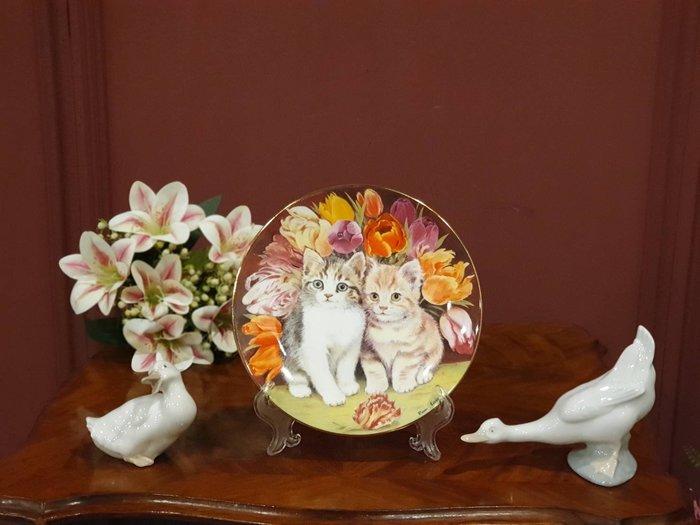 【卡卡頌 歐洲古董】英國  Royal Worcester  老件全新  甜蜜 貓咪  骨瓷  飾盤   p1499